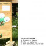 Panneau en bois avec un arbre, 5 oiseaux et des bulles de BD à reconstituer